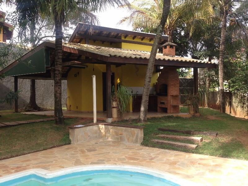 Casa de 3 dormitórios em Sousas, Campinas - SP