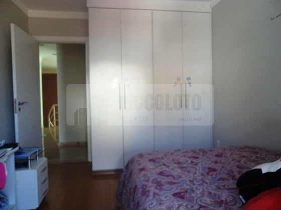 Sobrado de 4 dormitórios em Hipica, Campinas - SP