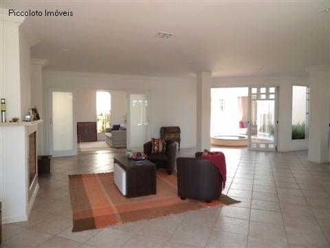 Casa de 4 dormitórios em Village Sans Souci, Valinhos - SP