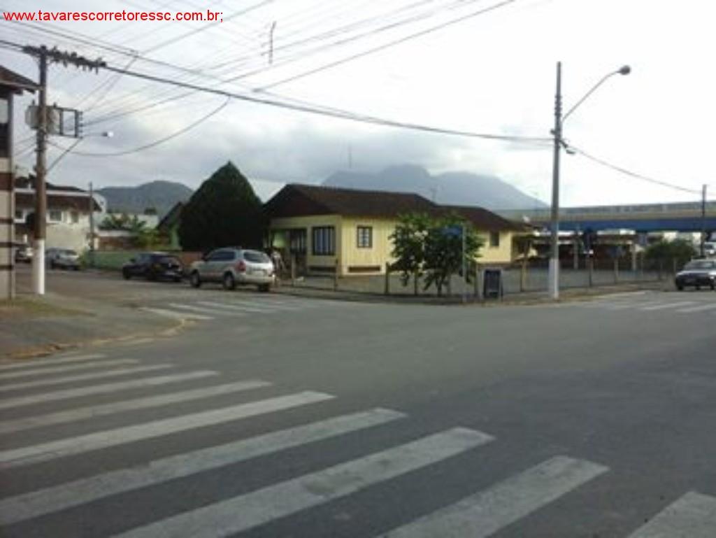 VENDO TERRENO DE 450 m² escriturado/ averbado, na Rua Jeronimo Correia 166/ Jose dequech -Centro de Guaramirim-SC;