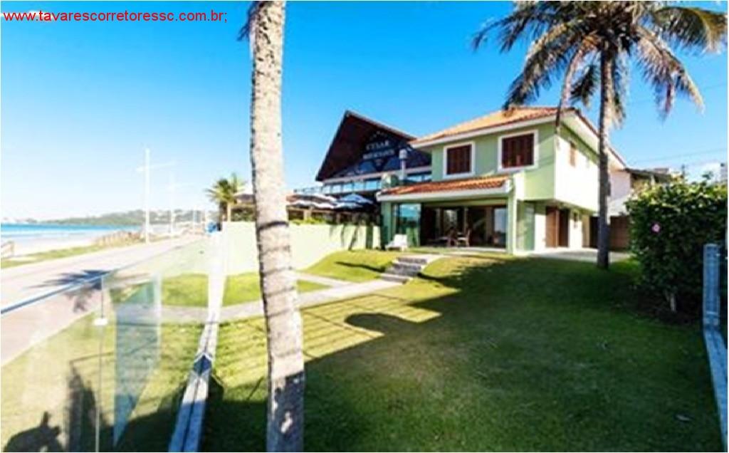 Vendo casa Duplex de 153 m² frente para a praia de Bombas- Bombinhas