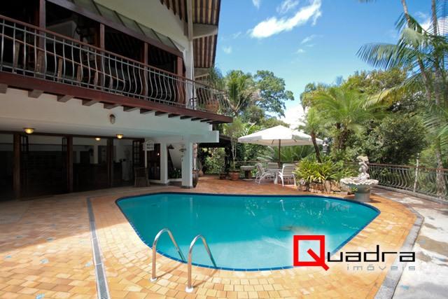 Casa com 5 suítes à venda em Ubatuba, no bairro Domingas Dias
