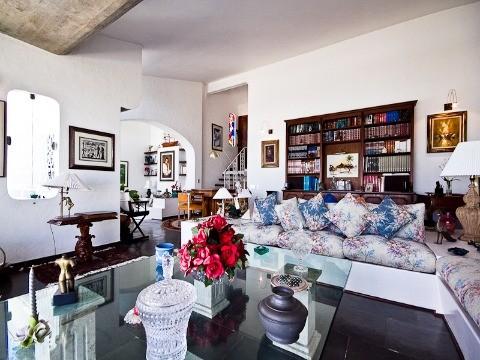 Casa com 4 dormitórios à venda em Caraguatatuba, no bairro Cocanha