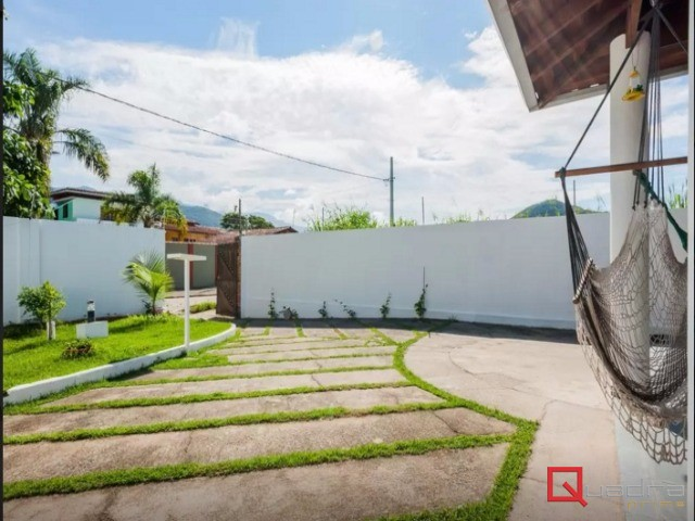 CASA em Caraguatatuba, no bairro Martim De Sa