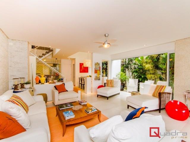 Casa com 5 dormitórios (4 suítes) à venda em Sao Sebastiao, no bairro Praia De Juquehy