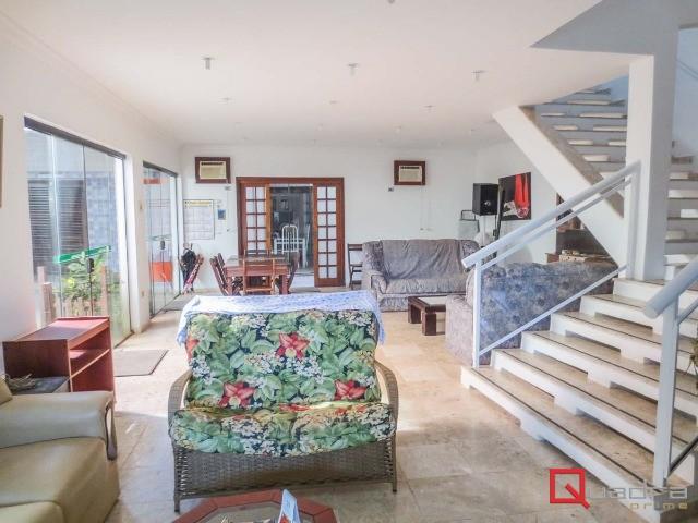 Casa com 8 dormitórios (7 suítes) à venda em Ubatuba, no bairro Itagua