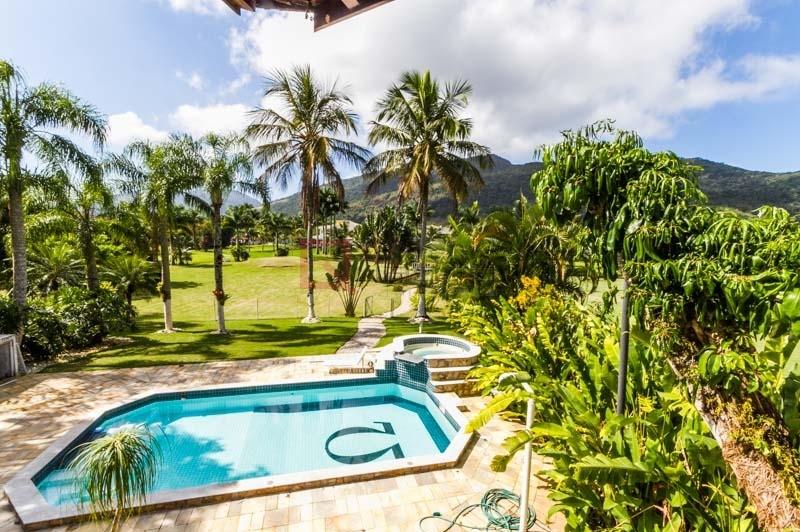 Casa com 4 dormitórios (2 suítes) para temporada em Caraguatatuba, no bairro Tabatinga