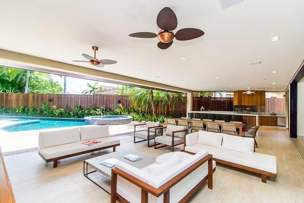 Casa com 7 dormitórios à venda em Caraguatatuba, no bairro Tabatinga