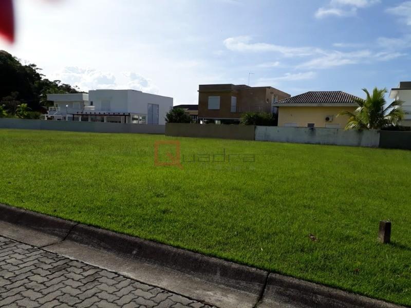 Terreno à venda em Caraguatatuba, no bairro Costa Nova