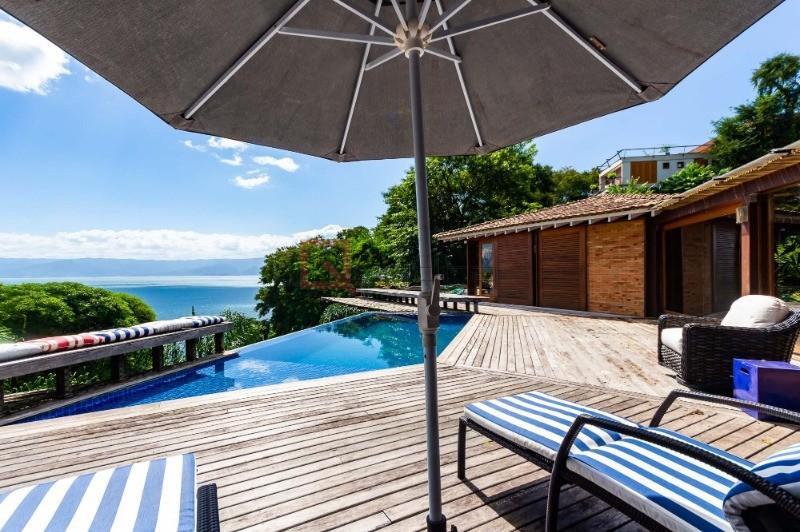 Casa com 4 dormitórios à venda em Ilhabela, no bairro Armacao