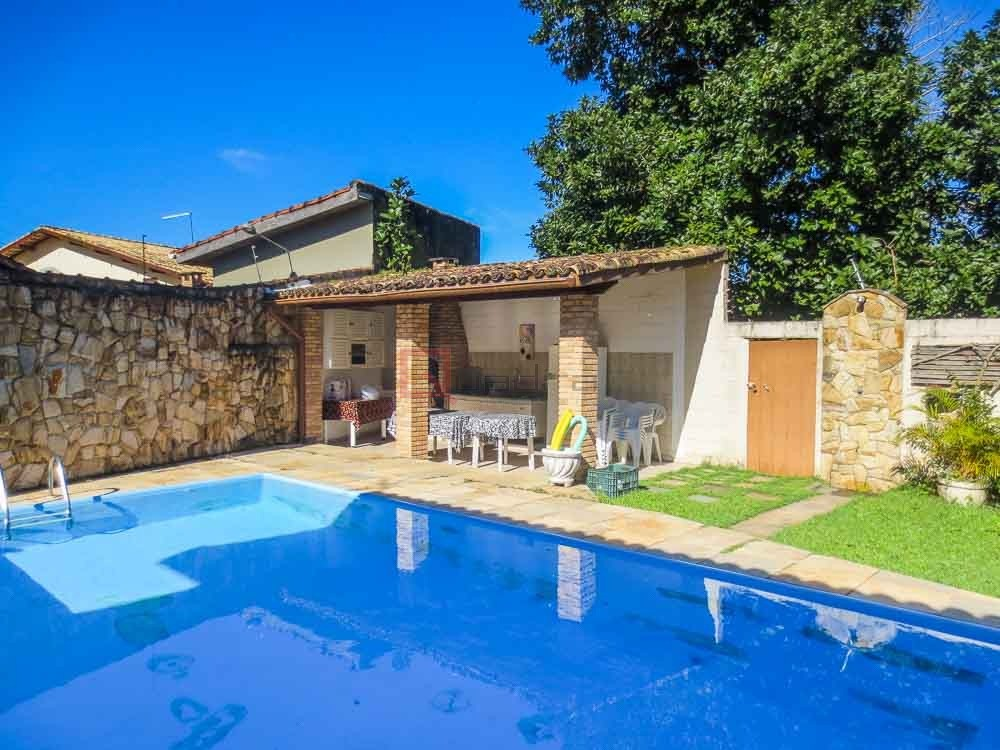Casa com 3 dormitórios à venda em Caraguatatuba, no bairro Capricórnio I