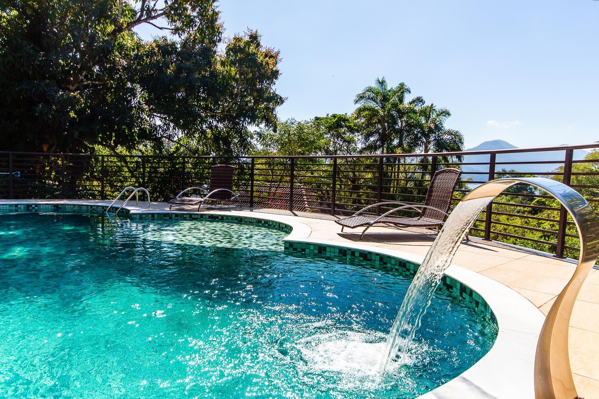 Casa com 5 dormitórios à venda em Ubatuba, no bairro Praia Vermelha Do Sul