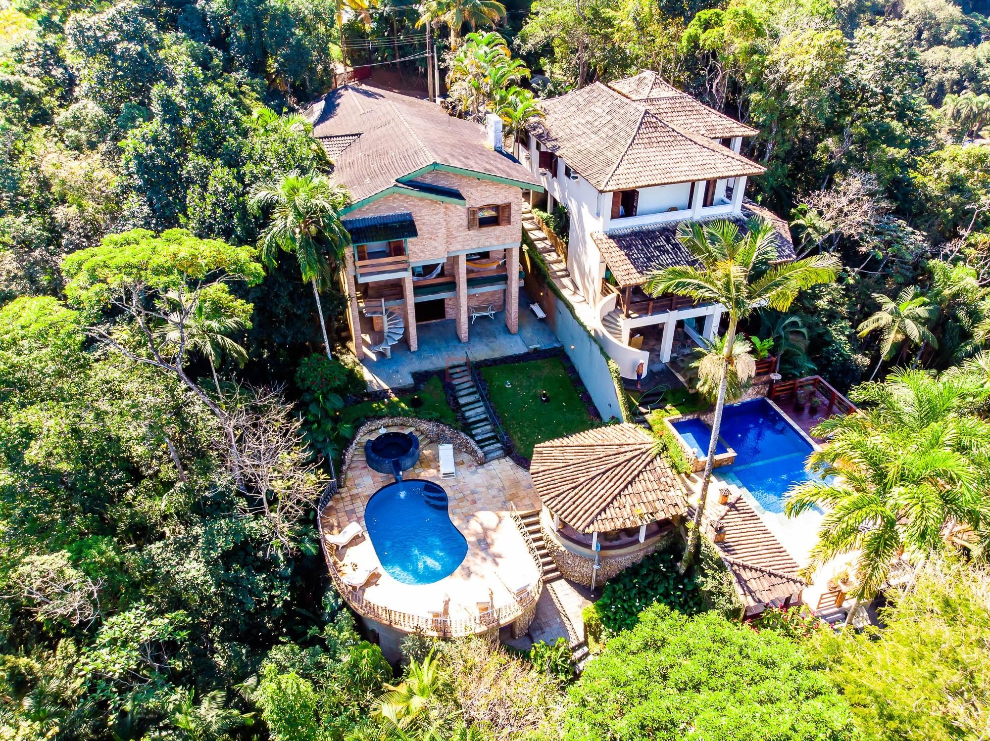 Casa com 4 dormitórios à venda em Ubatuba, no bairro Domingas Dias