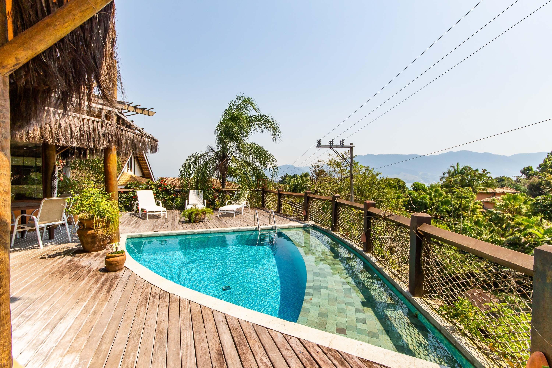 Casa com 6 dormitórios (5 suítes) à venda em Ilhabela, no bairro Engenho D  Agua