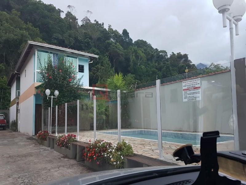Sobrado com 3 dormitórios (1 suíte) à venda em Caraguatatuba, no bairro Estância Balneária Hawai