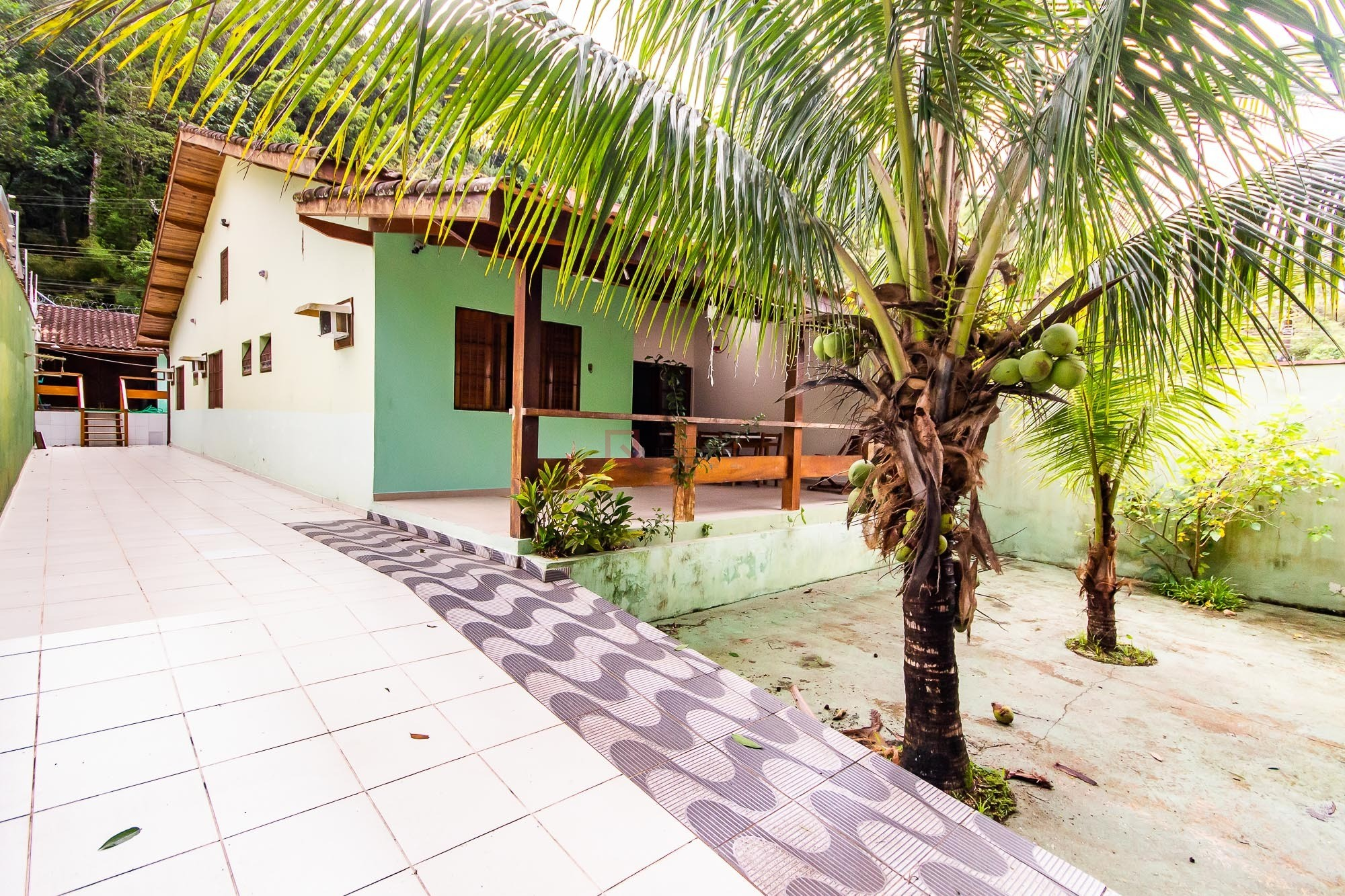 Casa com 3 suítes à venda em Caraguatatuba, no bairro Jardim Adalgisa