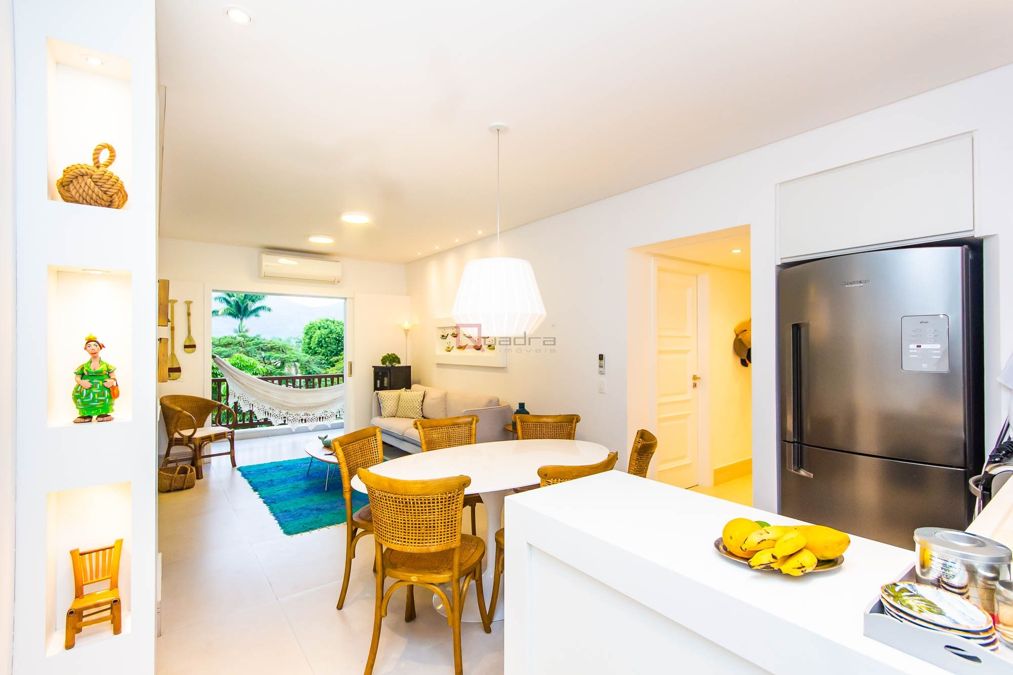 Apartamento com 2 dormitórios (1 suíte) à venda em Caraguatatuba, no bairro Tabatinga