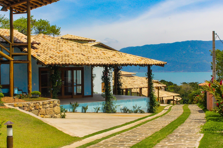 Casa com 5 dormitórios (4 suítes) à venda em Ilhabela, no bairro Curral