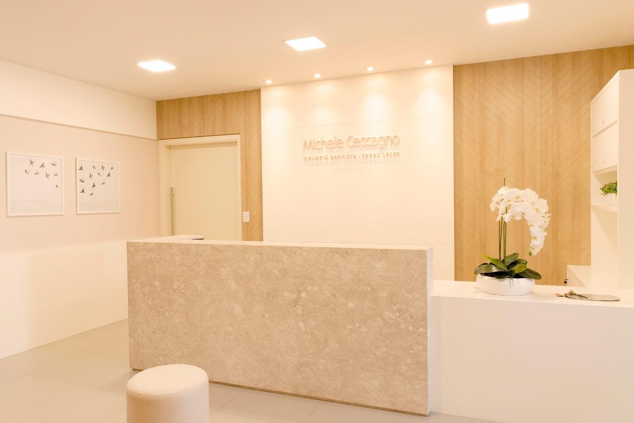 Consultório Odontológico Michele Ceccagno-IZF ARQUITETURA