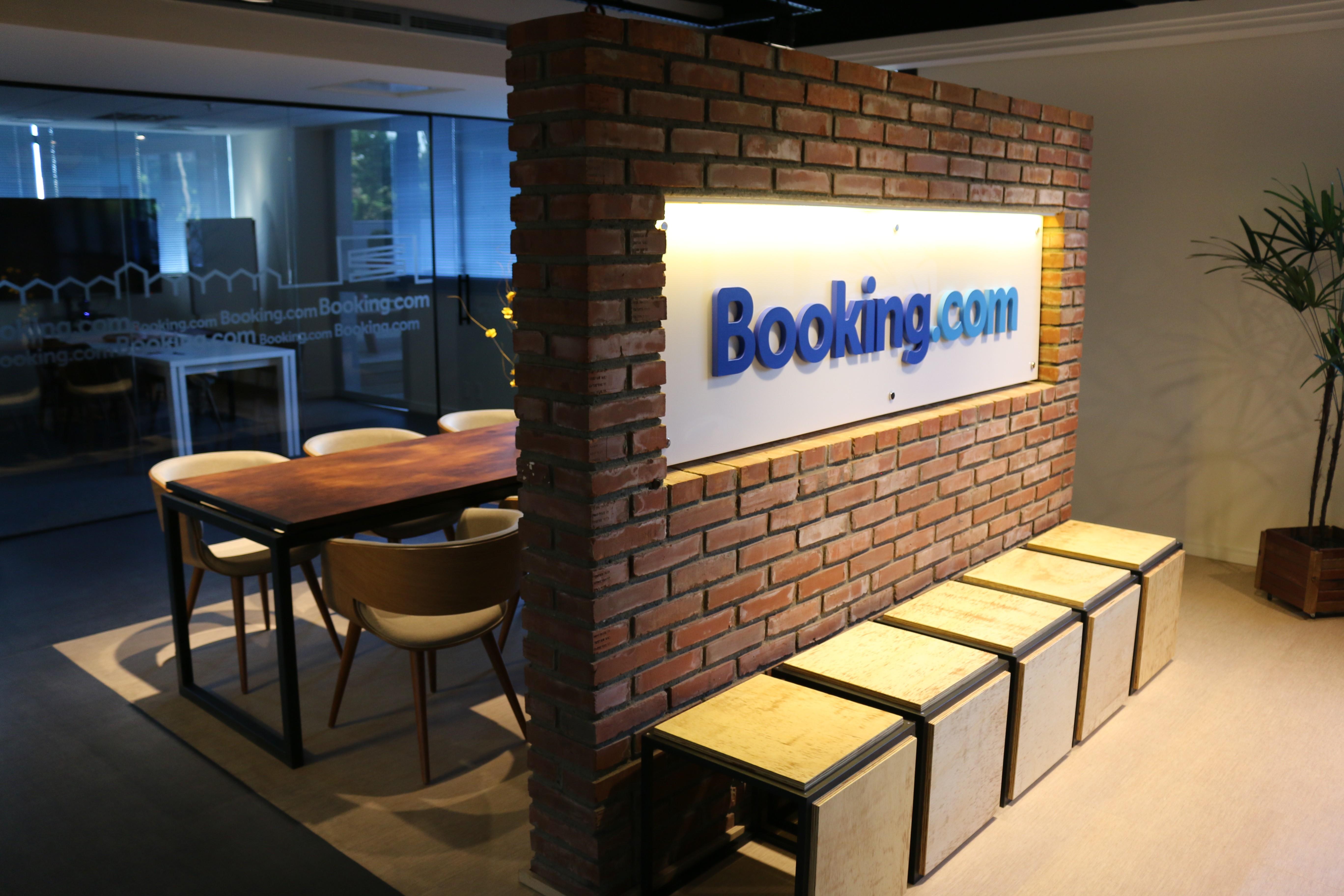 Escritório Booking.com região sul-BONDAR & DI LEONE ARQUITETOS