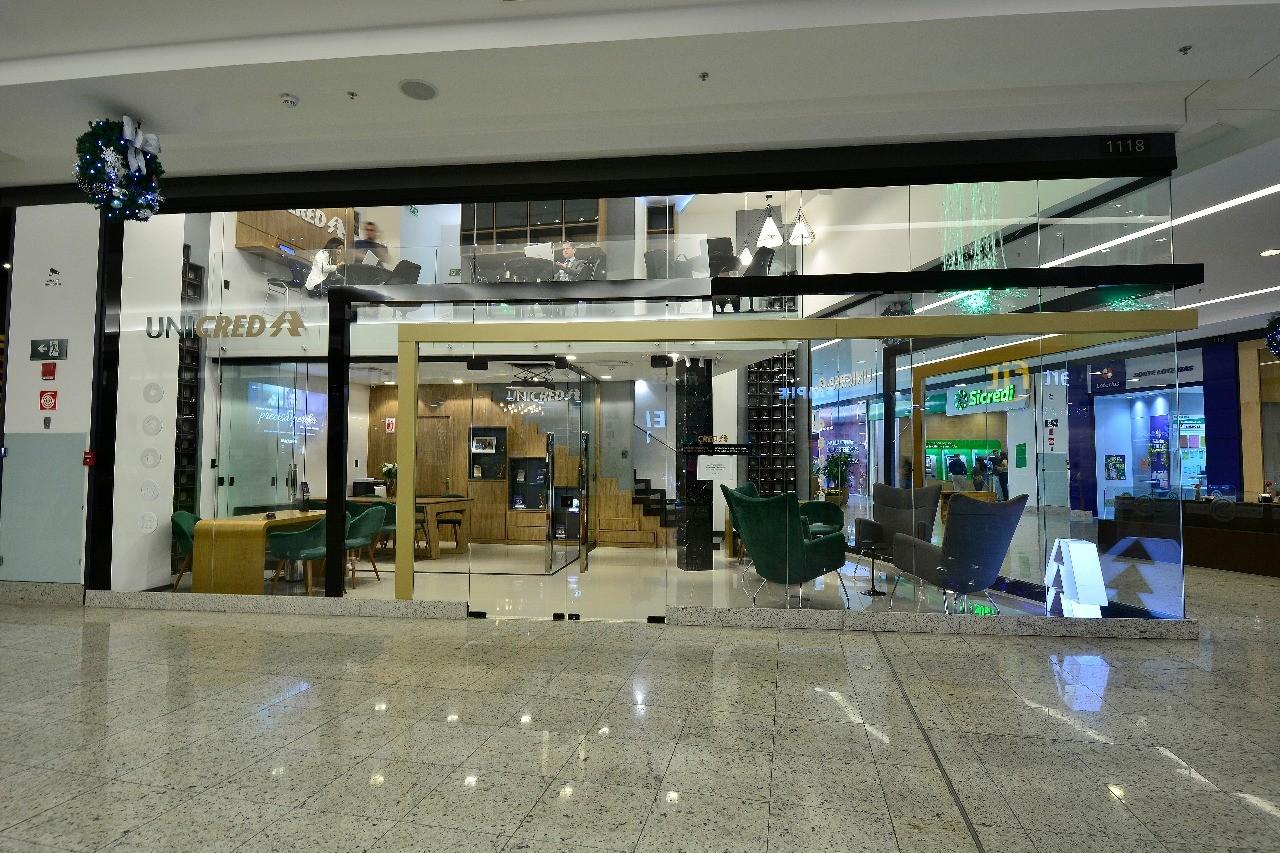 Unicred Sala de negócios Shopping Praça Nova-GIODA ARQUITETURA E PUBLICIDADE