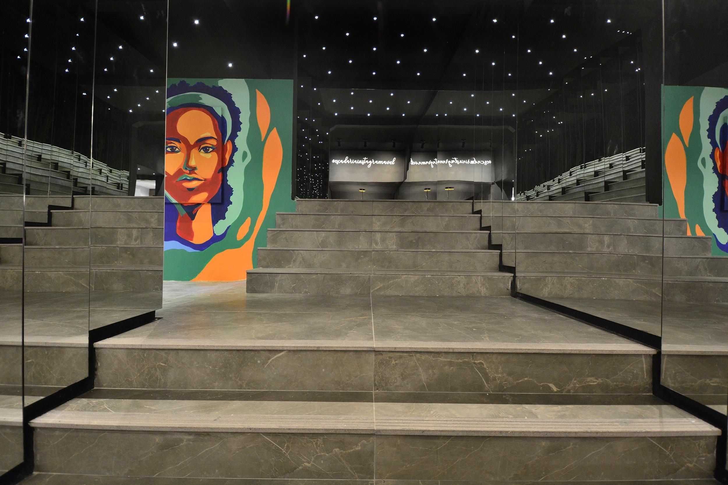 Escadaria Instagramável-ANTONIA GODINHO