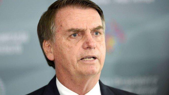 Governo vai subir IOF e baixar alíquota do IR, diz Bolsonaro
