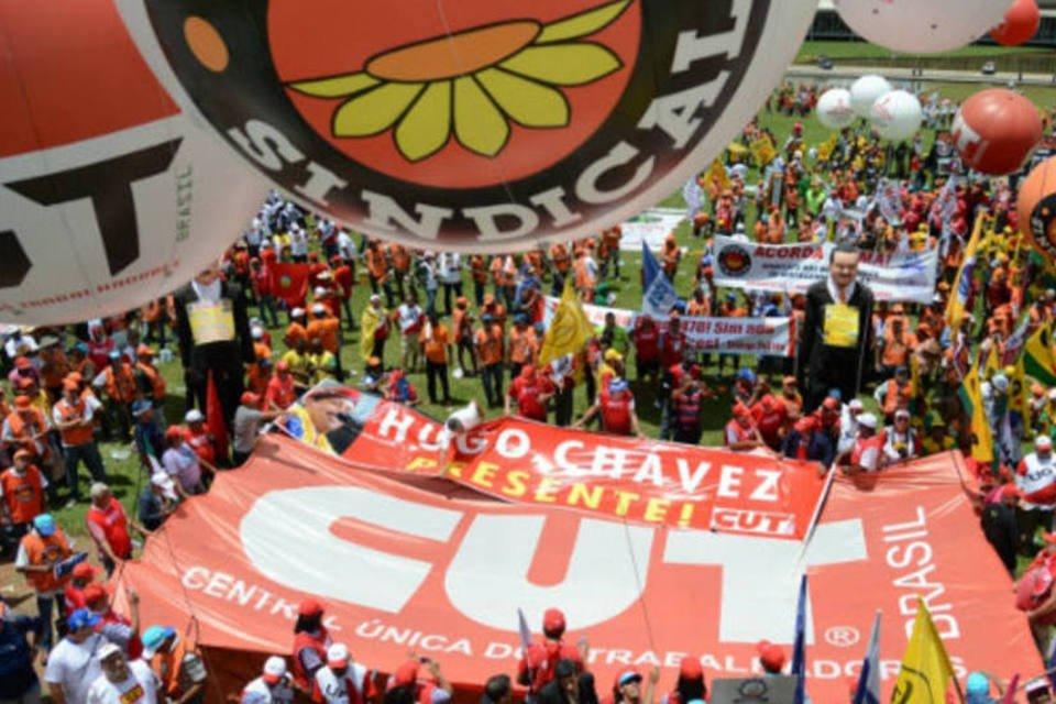 Sindicatos aprovam criação de imposto para todos os trabalhadores