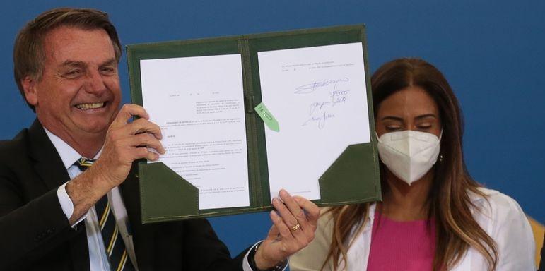 Bolsonaro tem recorde de Medidas Provisórias e decretos editados
