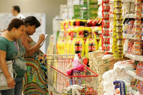 Brasileiro desembolsa, em média, R$ 500 de imposto federal em agosto