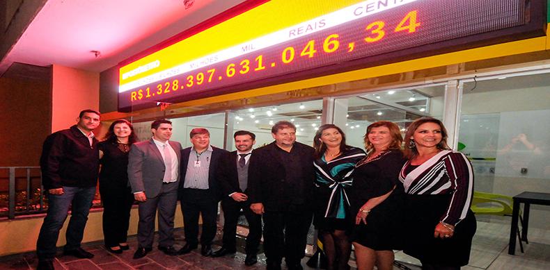 Inauguração de Impostômetro marca 1 ano da diretoria da ACE Jundiaí