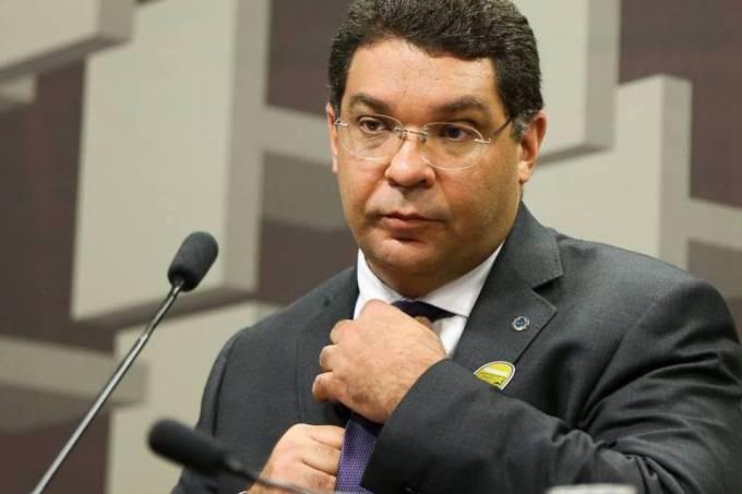 Mansueto: Brasil tem muitos problemas e um deles é a carga tributária
