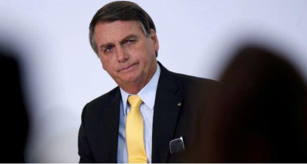 Bolsonaro diz que não pode baixar impostos por causa da Lei