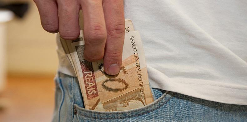 Sindicato dos Contabilistas diz que arrecadação de tributos caiu 50%