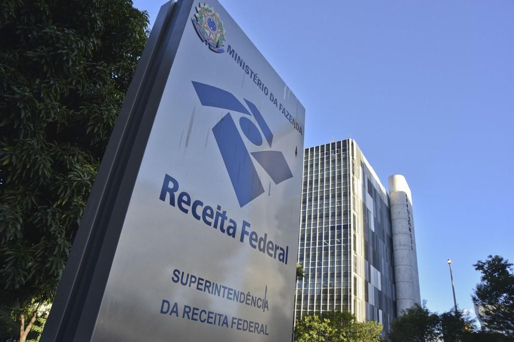 Governo cobra mais imposto sobre remessas ao exterior