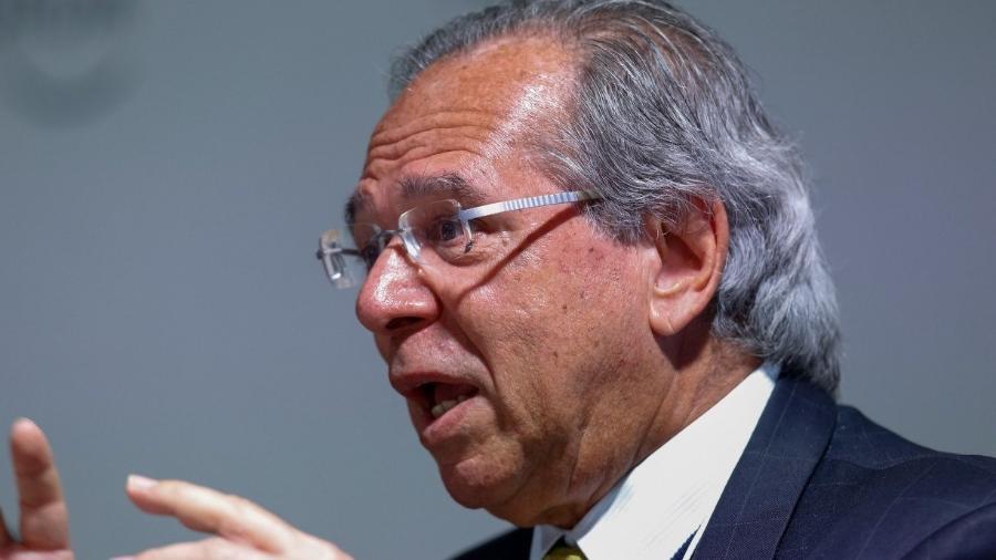 Ao defender novo imposto, Guedes afirma que bancos já cobram CPMF