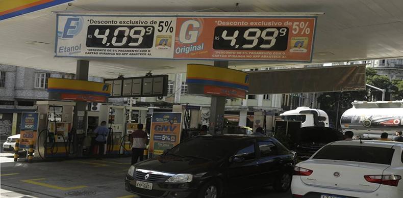 Bolsonaro defende liberação da venda direta de etanol das usinas