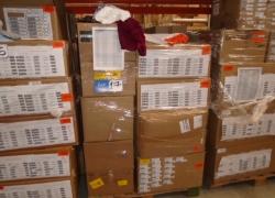 aprox-pecas-de-roupas-e-acessorios-diversos-com-defeitos