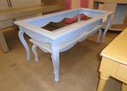 mesas-expositoras-na-cor-azul
