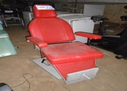 cadeira-tipo-oftalmologica-na-cor-vermelha-notredame