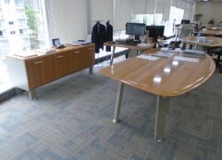 conj-de-mesas-e-armario-para-diretoria