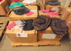 aprox-pecas-de-bolsas-femininas-diversas