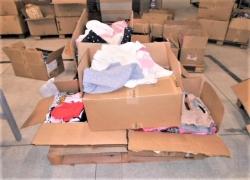 aprox-pecas-de-roupas-infantis-diversas-com-defeitos