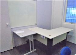 mesas-cadeiras-e-lousa