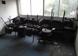 cadeiras-diversas-na-cor-preta