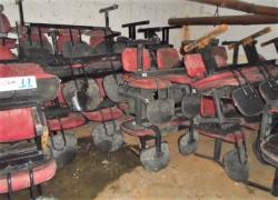 aprox-longarinas-com-cadeiras-vermelhas