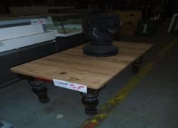 mesa-de-centro-e-peca-decorativa
