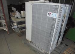 aparelhos-de-ar-condicionado-tipo-split-de-teto