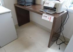 mesa-de-madeira-tipo-aparador