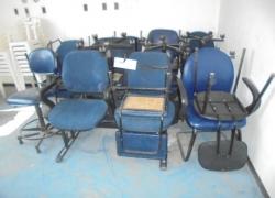 cadeiras-azuis-e-longarina